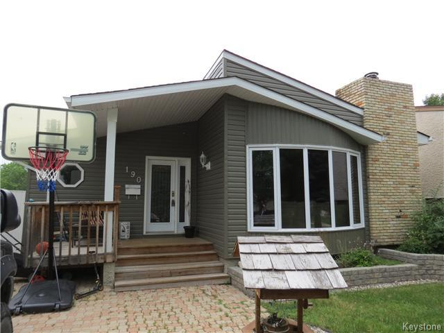 Main Photo: 190 Tufnell Drive in WINNIPEG: St Vital Residential for sale (South East Winnipeg)  : MLS® # 1418241