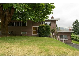 "Main Photo: 4220 CLIFFMONT Road in North Vancouver: Deep Cove House for sale in ""Deep Cove"" : MLS®# V1081027"