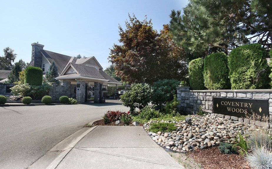 "Photo 2: 81 9025 216TH Street in Langley: Walnut Grove Townhouse for sale in ""COVENTRY WOODS"" : MLS(r) # F1421393"