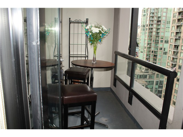 Photo 10: # 2210 909 MAINLAND ST in Vancouver: Yaletown Condo for sale (Vancouver West)  : MLS(r) # V1129575