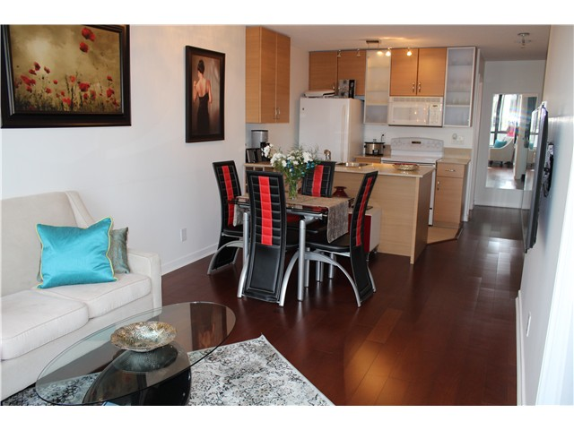 Photo 6: # 2210 909 MAINLAND ST in Vancouver: Yaletown Condo for sale (Vancouver West)  : MLS(r) # V1129575