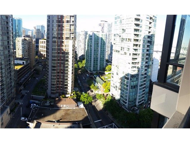 Photo 11: # 2210 909 MAINLAND ST in Vancouver: Yaletown Condo for sale (Vancouver West)  : MLS(r) # V1129575