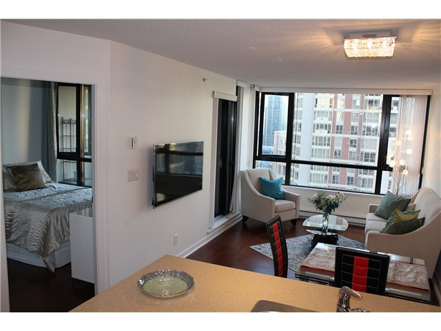 Photo 2: # 2210 909 MAINLAND ST in Vancouver: Yaletown Condo for sale (Vancouver West)  : MLS(r) # V1129575