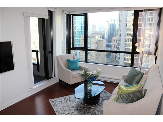 Main Photo: # 2210 909 MAINLAND ST in Vancouver: Yaletown Condo for sale (Vancouver West)  : MLS® # V1129575