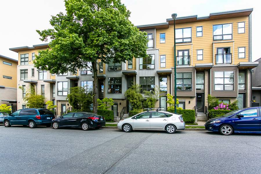 Main Photo: 3754 Commercial in Vancouver: Victoria VE Home for sale (Vancouver East)  : MLS®# R2008109