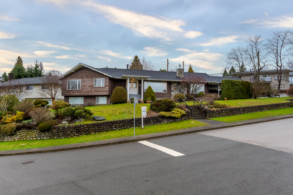 FEATURED LISTING: 4391 MAHON Avenue Burnaby