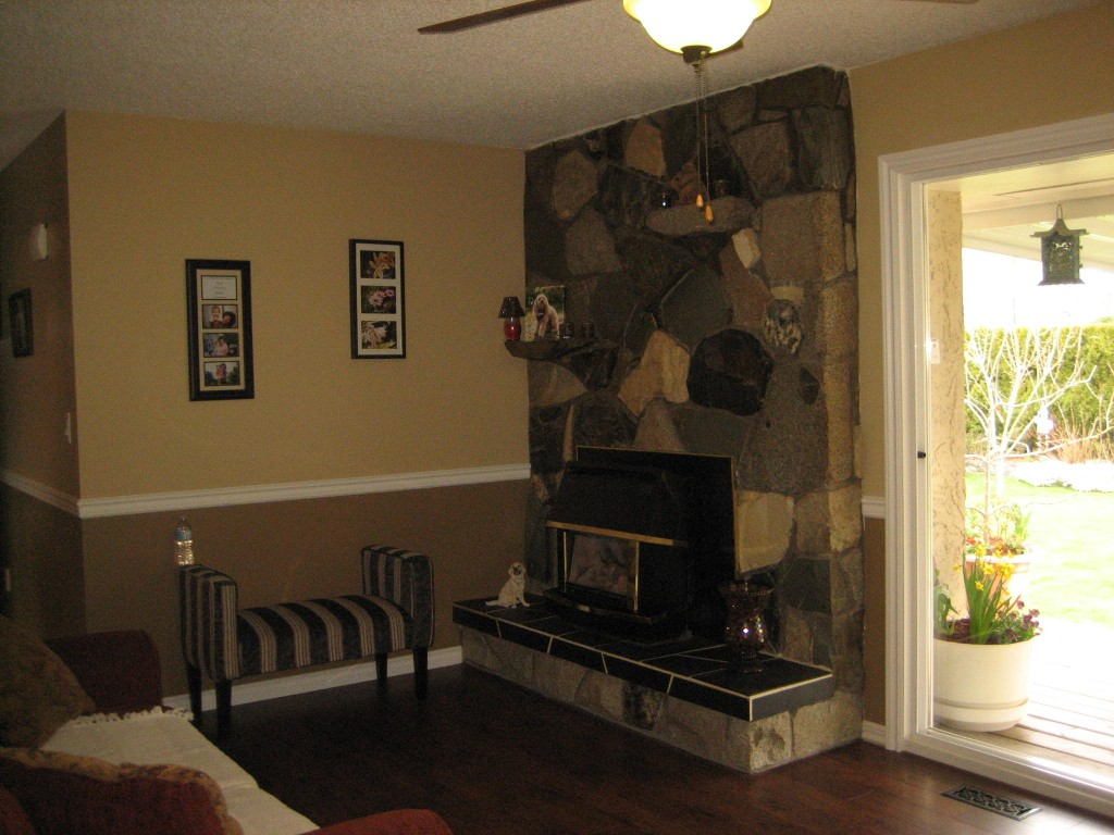 Photo 3: 45335 Wells Rd in Chilliwack: House for sale (Sardis)  : MLS(r) # H1401082