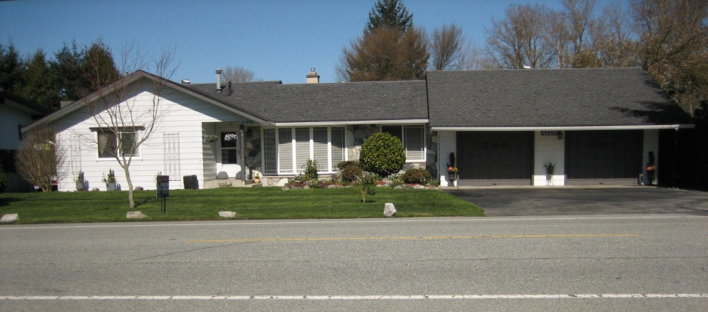 Main Photo: 45335 Wells Rd in Chilliwack: House for sale (Sardis)  : MLS® # H1401082