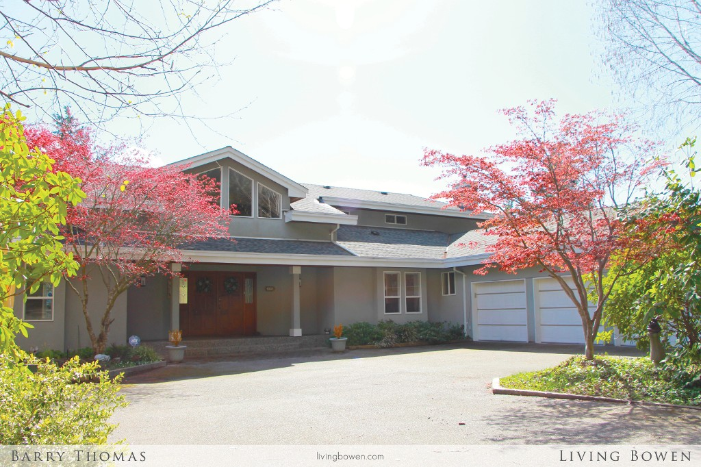 Main Photo: 911 Hummingbird Lane: Bowen Island House for sale : MLS®# V1115917