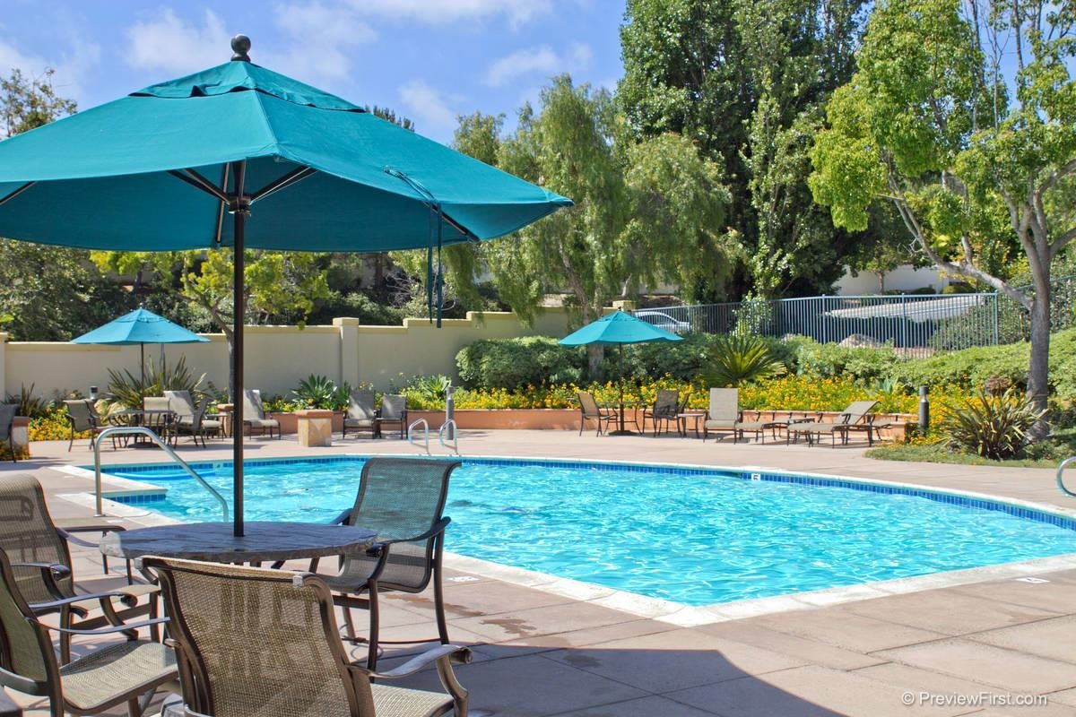 Photo 7: CARMEL VALLEY House for sale : 3 bedrooms : 11217-4 Carmel Creek Road in San Diego