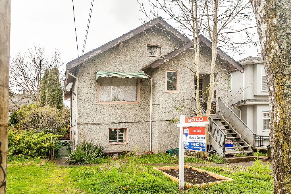 Main Photo: 3131 Victoria in Vancouver: Grandview VE House for sale (Vancouver East)