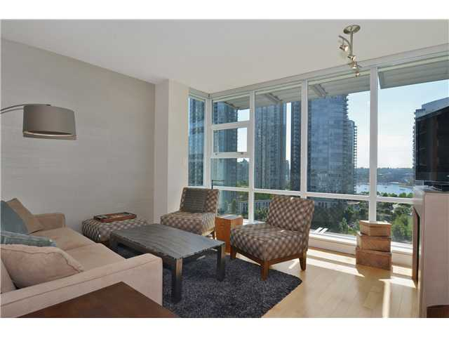 Photo 2: # 1206 638 BEACH CR in Vancouver: Yaletown Condo for sale (Vancouver West)  : MLS® # V1125146