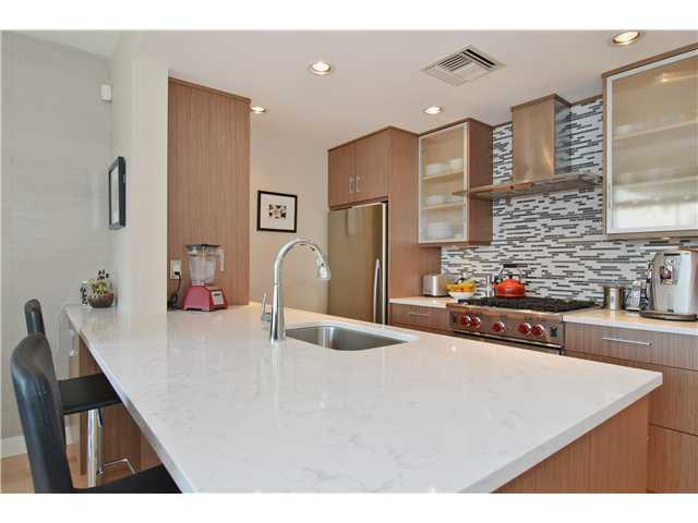 Photo 4: # 1206 638 BEACH CR in Vancouver: Yaletown Condo for sale (Vancouver West)  : MLS® # V1125146