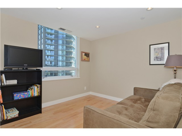 Photo 9: # 1206 638 BEACH CR in Vancouver: Yaletown Condo for sale (Vancouver West)  : MLS® # V1125146