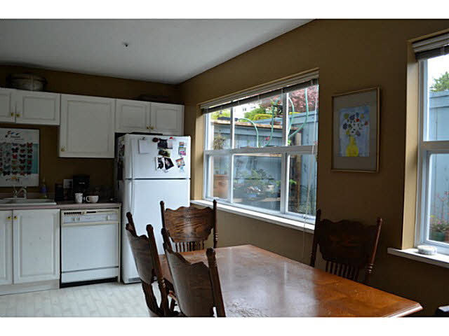 Photo 6: 17 5740 MARINE WAY in Sechelt: Sechelt District Townhouse for sale (Sunshine Coast)  : MLS® # V1118432