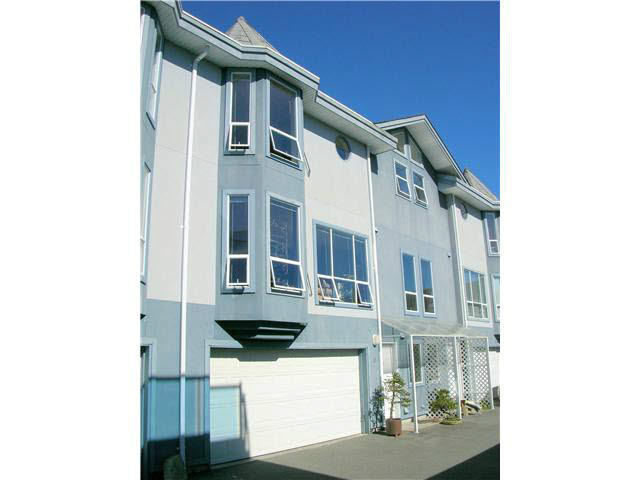 Main Photo: 17 5740 MARINE WAY in Sechelt: Sechelt District Townhouse for sale (Sunshine Coast)  : MLS® # V1118432