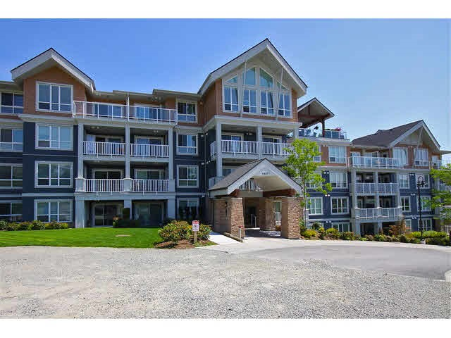 Photo 2: 307 6420 194 STREET in Surrey: Clayton Condo for sale (Cloverdale)  : MLS® # R2119951