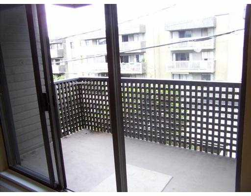 "Photo 5: 302 1549 KITCHENER ST in Vancouver: Grandview VE Condo for sale in ""DHARMA DIGS"" (Vancouver East)  : MLS® # V595459"