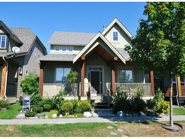 Main Photo: 19289 69 Avenue in : Clayton House for sale (Cloverdale)  : MLS® # f1320843
