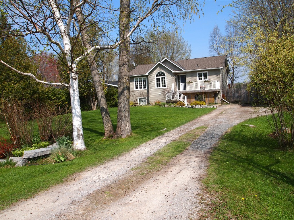 Main Photo: 26 Greenwood Crescent in Kawartha Lakes: Rural Eldon Freehold for sale