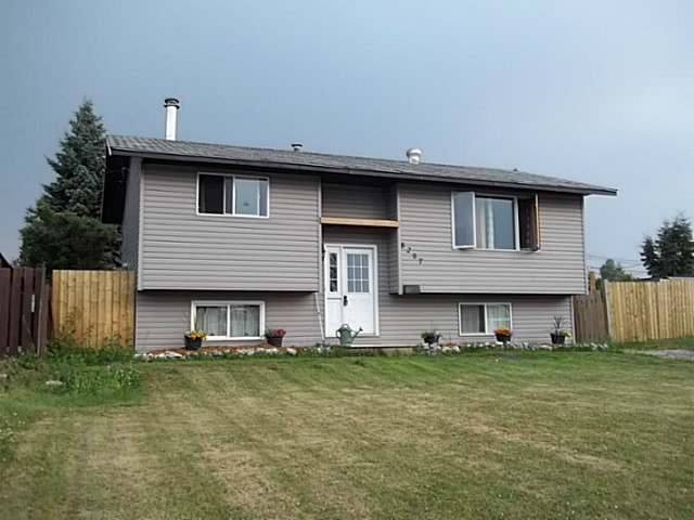 "Main Photo: 8207 96TH Avenue in Fort St. John: Fort St. John - City SE House for sale in ""NORTH ANNEOFIELD"" (Fort St. John (Zone 60))  : MLS(r) # N238240"
