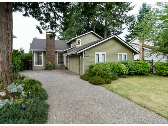 Photo 3: 14306 16A AV in Surrey: Sunnyside Park Surrey House for sale (South Surrey White Rock)  : MLS® # F1420330
