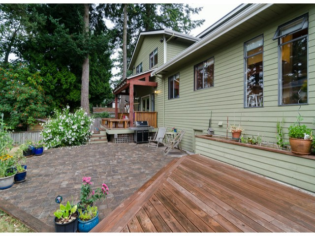 Photo 17: 14306 16A AV in Surrey: Sunnyside Park Surrey House for sale (South Surrey White Rock)  : MLS® # F1420330