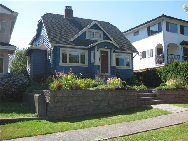Main Photo: 3036 KITCHENER ST in Vancouver: Renfrew VE House for sale (Vancouver East)  : MLS®# V1054364