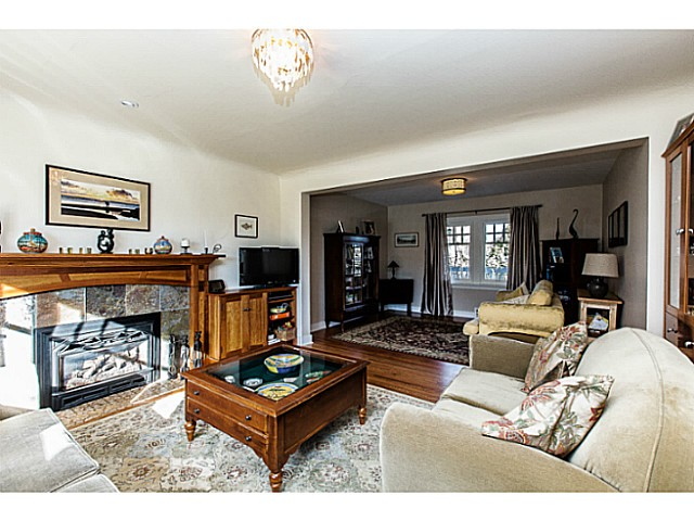 Photo 3: 331 ARBUTUS ST in New Westminster: Queens Park House for sale : MLS(r) # V1101805