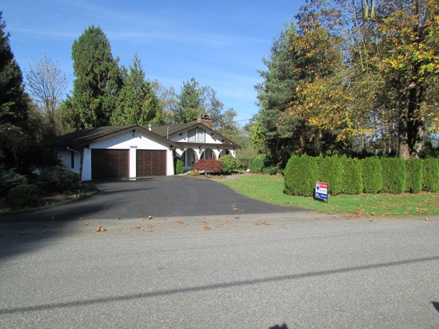 Photo 1: 32947 Clayburn in Abbotsford: Matsqui Home for sale : MLS(r) # R2008501