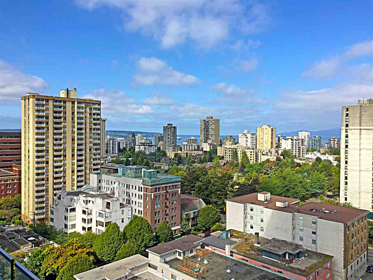 Photo 3: 1805 1028 BARCLAY STREET in Vancouver: West End VW Condo for sale (Vancouver West)  : MLS® # R2096950