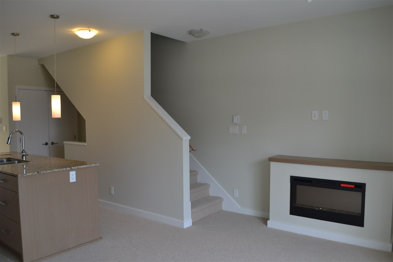 Photo 3: 5990 OLDMILL LANE in Sechelt: Sechelt District Townhouse for sale (Sunshine Coast)  : MLS(r) # R2063347