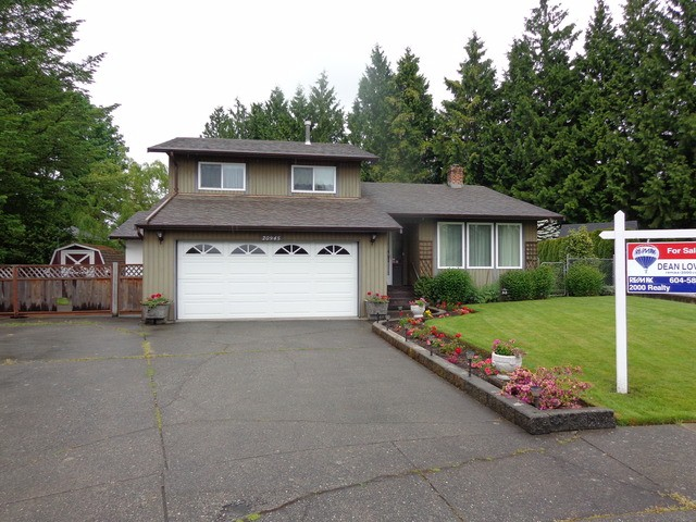"Main Photo: 20945 50A AV in Langley: Langley City House for sale in ""NEWLANDS"" : MLS® # F1312585"