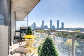 Photo 9: 38 Niagara St Unit #707 in Toronto: Waterfront Communities C1 Condo for sale (Toronto C01)  : MLS(r) # C2763458