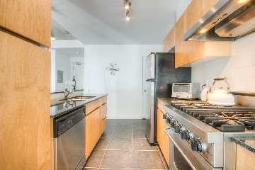Photo 3: 38 Niagara St Unit #707 in Toronto: Waterfront Communities C1 Condo for sale (Toronto C01)  : MLS(r) # C2763458