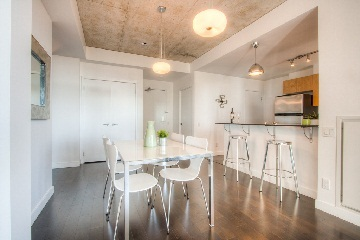 Photo 4: 38 Niagara St Unit #707 in Toronto: Waterfront Communities C1 Condo for sale (Toronto C01)  : MLS(r) # C2763458