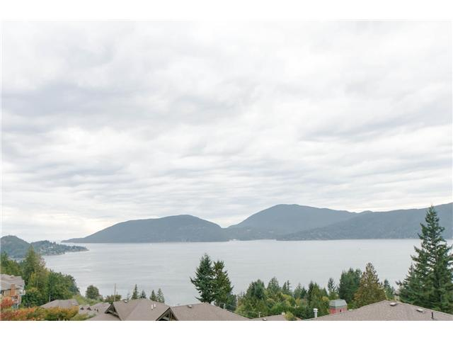 Main Photo: 8631 Seascape Rd in West Vancouver: Howe Sound House Duplex for sale : MLS® # v1087758