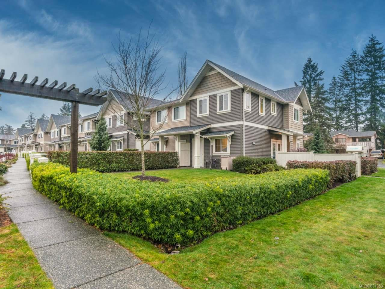 FEATURED LISTING: 101 - 1675 Crescent View Dr NANAIMO