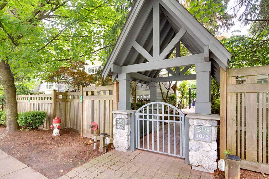 FEATURED LISTING: 4 - 1073 LYNN VALLEY Road North Vancouver