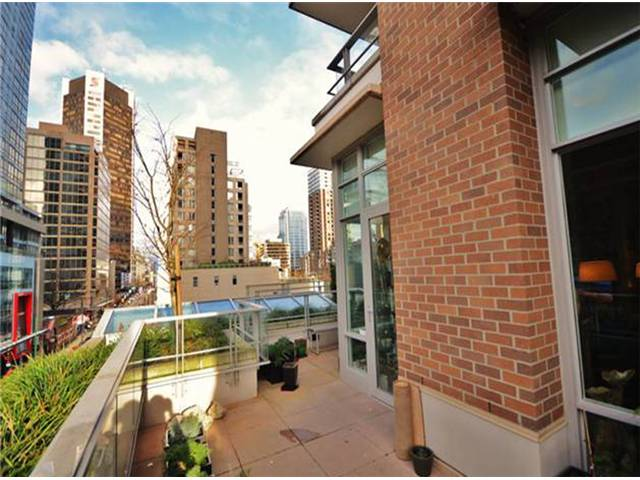 "Main Photo: # 503 565 SMITHE ST in Vancouver: Downtown VW Condo for sale in ""VITA"" (Vancouver West)  : MLS® # V1015337"