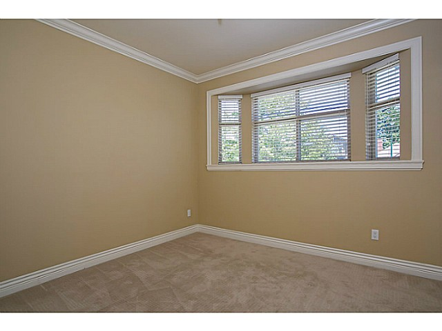 Photo 9: 4483 PERRY Street in Vancouver: Knight House for sale (Vancouver East)  : MLS(r) # V1020994