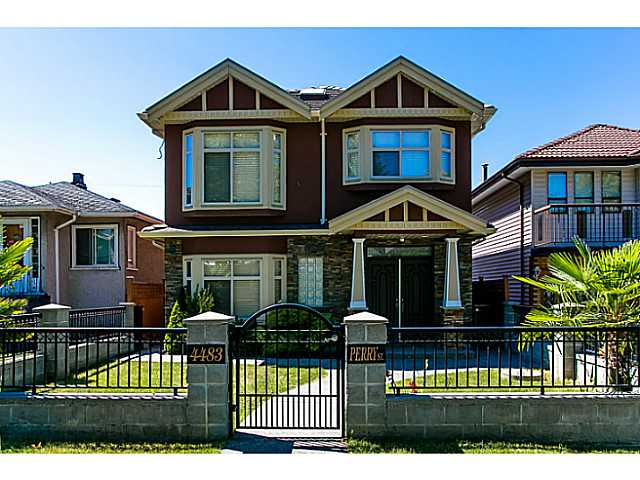 Main Photo: 4483 PERRY Street in Vancouver: Knight House for sale (Vancouver East)  : MLS® # V1020994