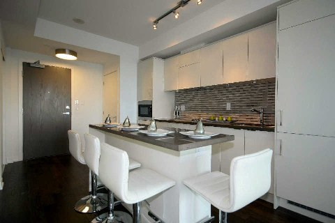 Photo 5: 21 Widmer St Unit #3912 in Toronto: Waterfront Communities C1 Condo for sale (Toronto C01)  : MLS® # C2830410
