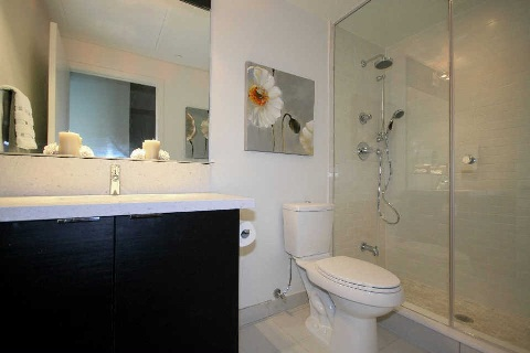 Photo 2: 21 Widmer St Unit #3912 in Toronto: Waterfront Communities C1 Condo for sale (Toronto C01)  : MLS® # C2830410