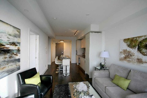 Photo 8: 21 Widmer St Unit #3912 in Toronto: Waterfront Communities C1 Condo for sale (Toronto C01)  : MLS® # C2830410