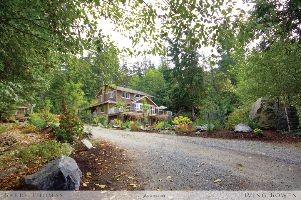 Main Photo: 1631 Amelia Lane in Bowen Island: Bowen Bay House for sale : MLS® # R2000146