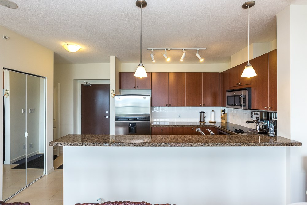 Photo 4: 1104 15 E ROYAL AVENUE in New Westminster: Fraserview NW Condo for sale : MLS® # R2099500