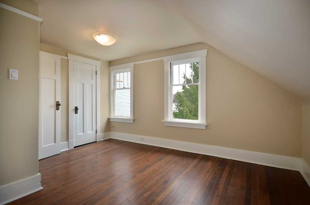 Photo 7: 442 E 15TH Avenue in Vancouver: Mount Pleasant VE House for sale (Vancouver East)  : MLS(r) # V940109