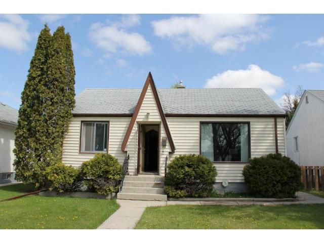 Main Photo: 221 Helmsdale Avenue in WINNIPEG: East Kildonan Residential for sale (North East Winnipeg)  : MLS® # 1212766