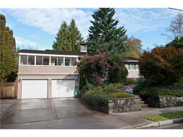 Main Photo: 829 ROCHESTER Avenue in Coquitlam: Coquitlam West House for sale : MLS®# V936912